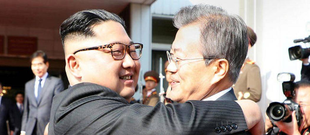 Неожиданная встреча в северной корее: Мун Чжэ Ина с Ким Чен Ыном
